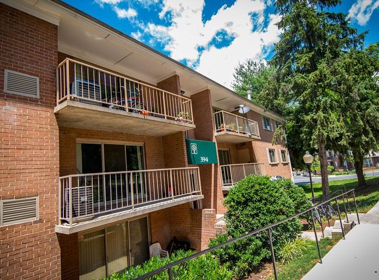 Spring Ridge Apartments Patios