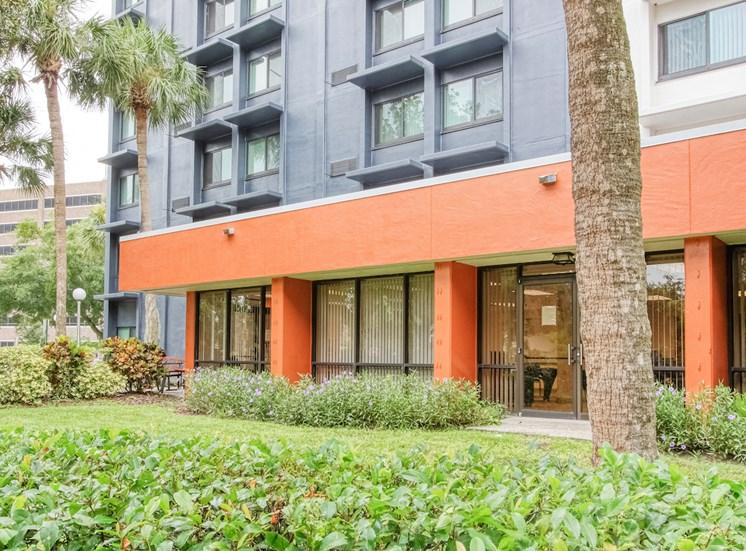Lushly Landscaped Orlando Cloisters located at 757 S Orange Ave, Orlando, FL 32801