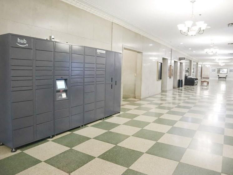 Toledo apartments with Amazon locker