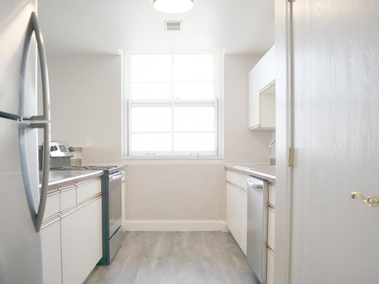 apartments with updated appliances for rent