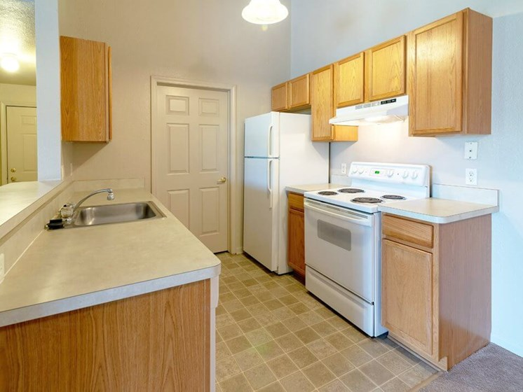 spacious kitchens in Taylor MI apartments
