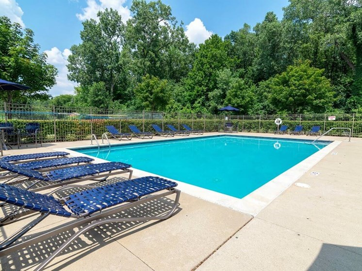 swimming pool in Chelsea Park Apartments