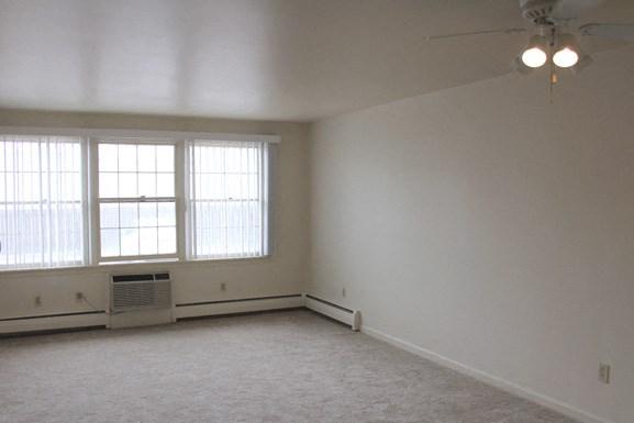 Parkview Manor in Tonawanda NY - Living Room