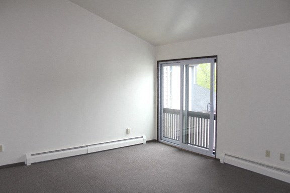 Parkside Apartments - Living Room