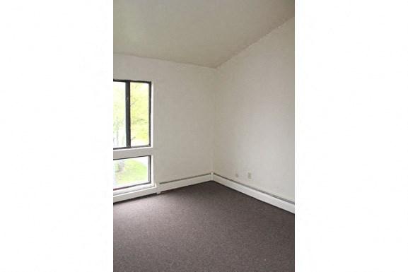 Parkside Apartments - Bedroom