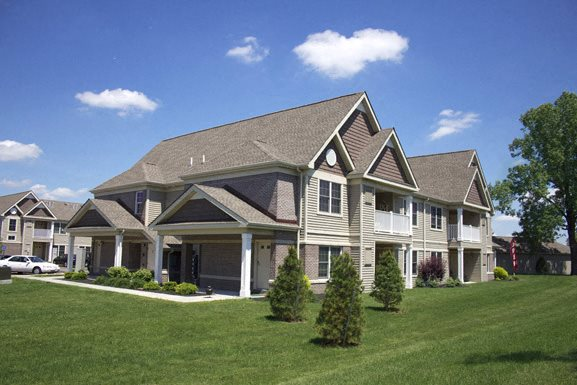 Deer Lakes Apartments Amherst - Exterior