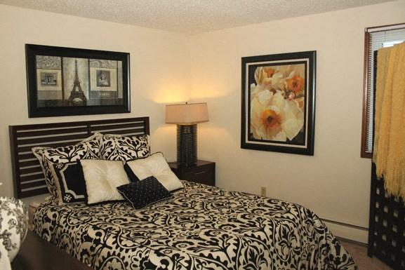 Peppertree Village in Amherst NY - Master Bedroom