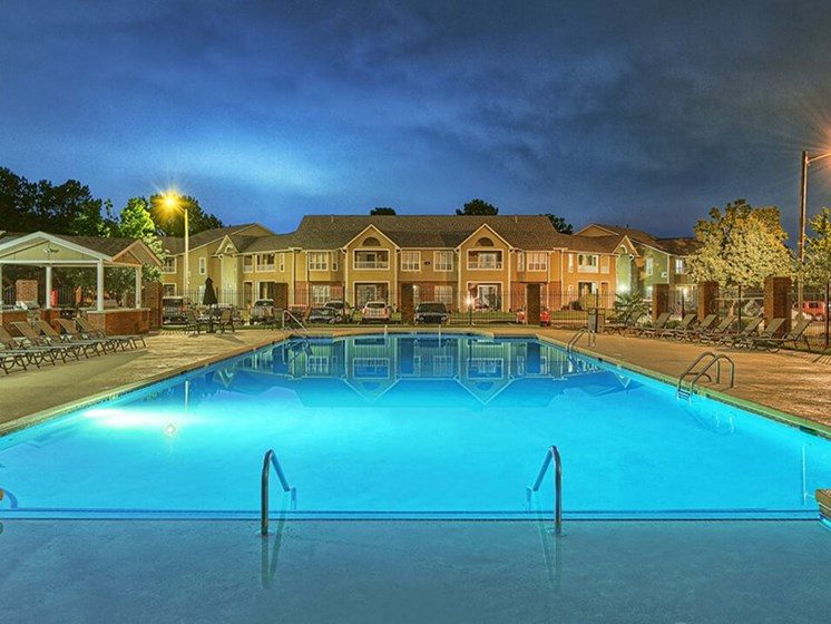 apartment pool in Greenville