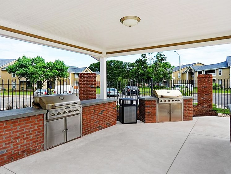 Grill Area near apartment pool