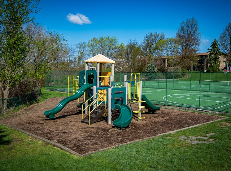 Carriage Park Apartments Playground 02