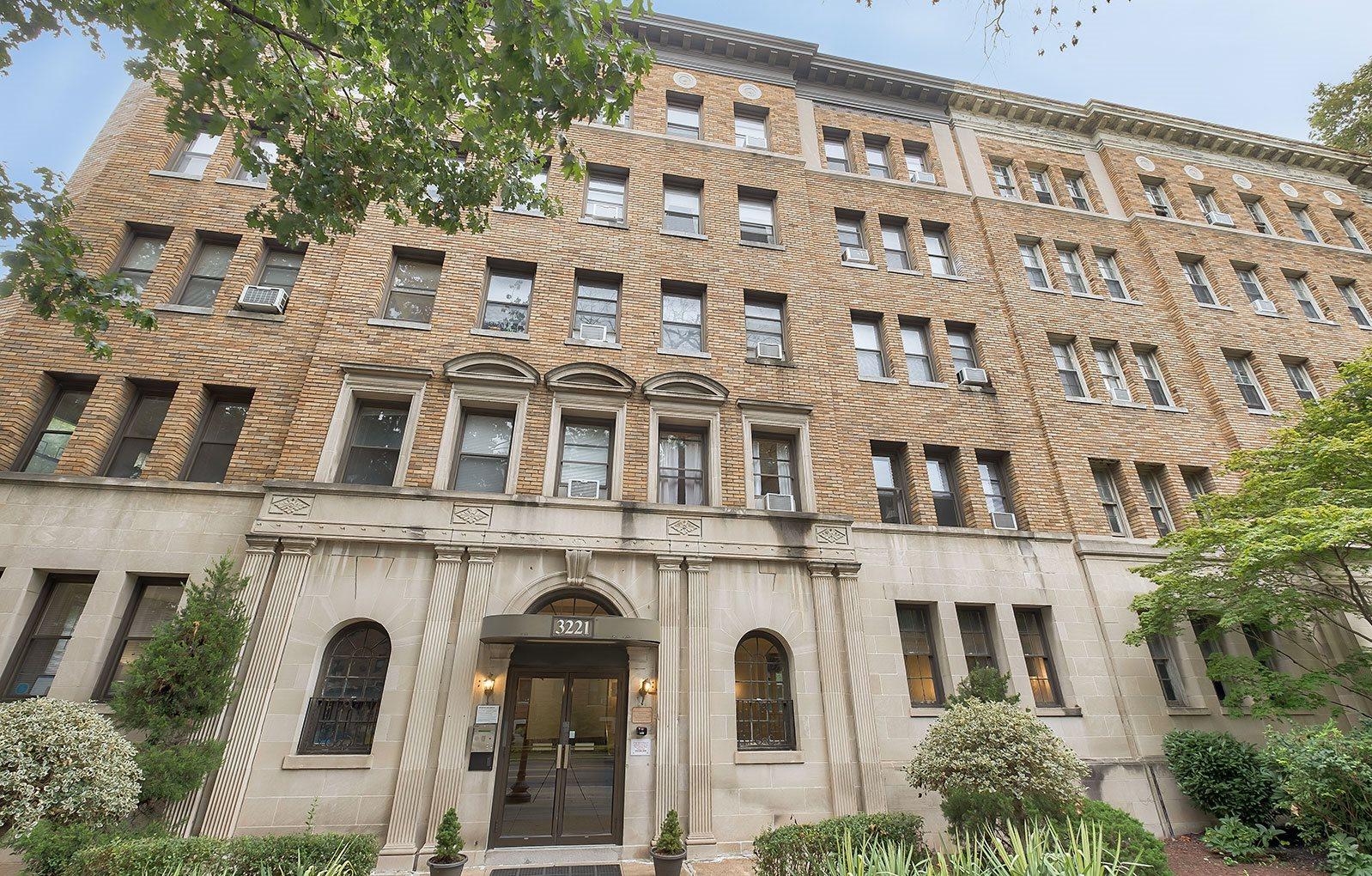 3221 Connecticut Ave Apartments