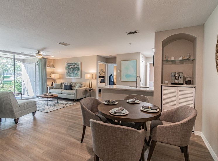 Dining Area at The Boot Ranch Apartments, Palm Harbor