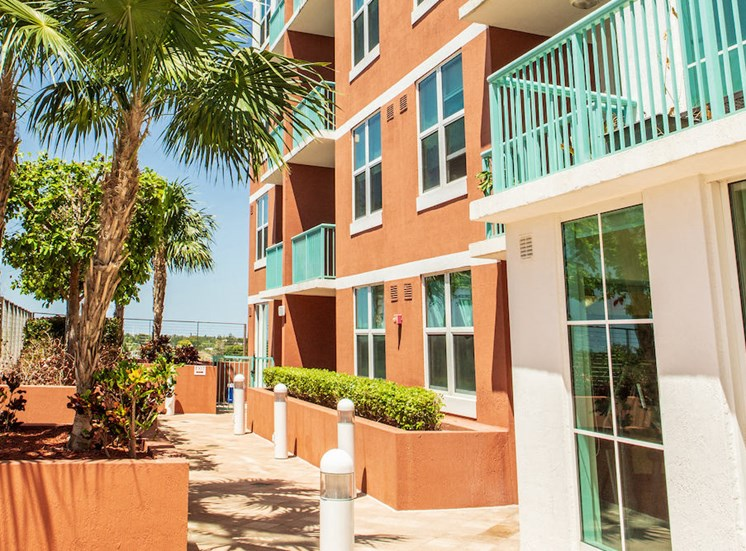 patios and balconies at Progresso Point Apartments