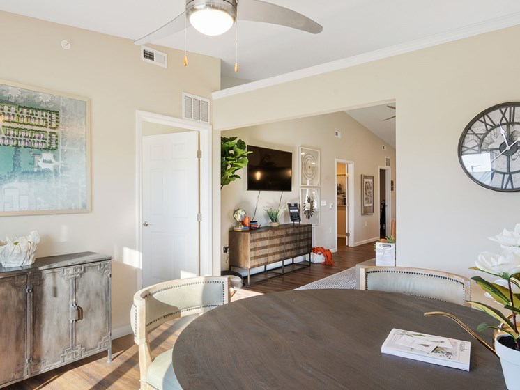 Warsaw Indiana apartment rentals Redwood Warsaw Flexible Den Space