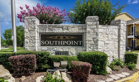 Southpoint Main Monument Sign   Southeast Apartments For Rent   Southpoint Apartments