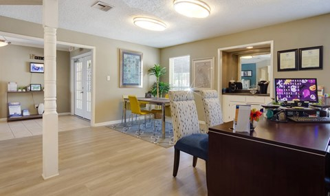 Southpoint Leasing Office    Southwest Houston Apartments For Rent   Southpoint Apartments