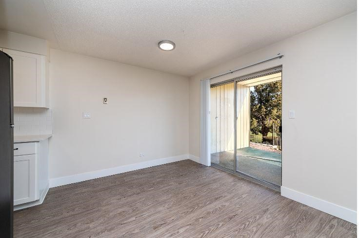 Dining Room with Large Patio Window at Parkview Apartments, Boise, Idaho