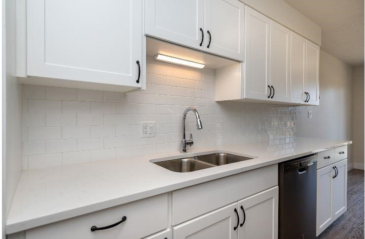 Kitchen at Parkview Apartments, Boise, ID