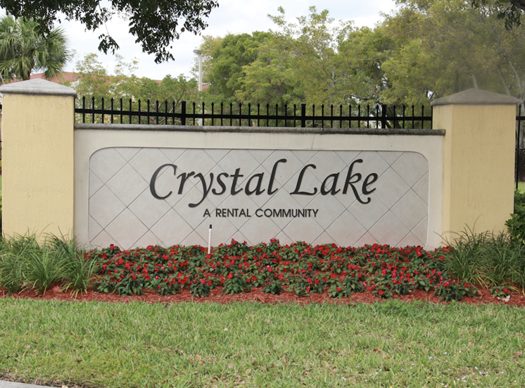 Crystal Lake apartments in Hollywood, FL signage