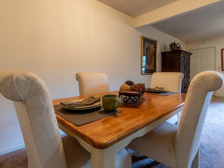 1 Bedroom dining room