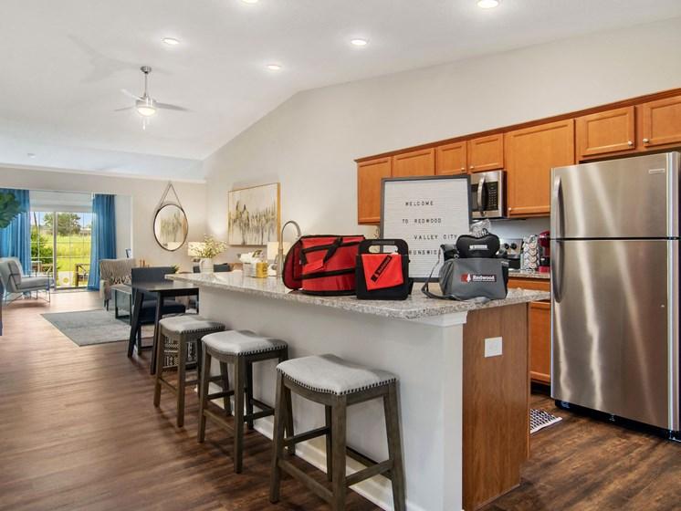 Valley City Ohio Apartment Rentals Redwood Valley City Kitchen Entrance