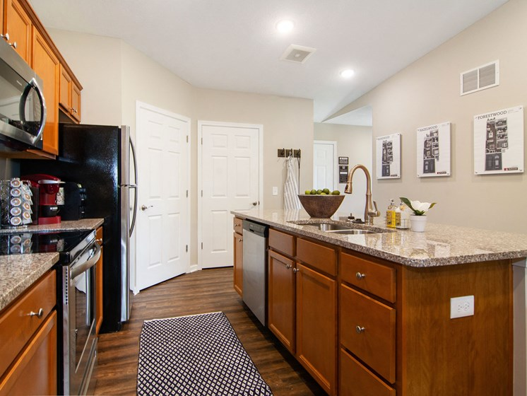 Valley City Ohio Apartment Rentals Redwood Valley City Kitchen with Full Walkin Pantry
