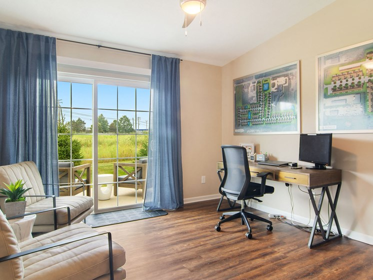 Valley City Ohio Apartment Rentals Redwood Valley City Flexible Den Sun Room Space