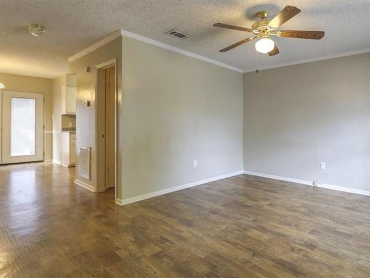 Hardwood style flooring in Baton rouge apartments