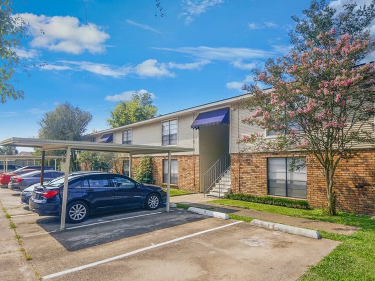 Dove Creek Apartments in Baton Rouge LA