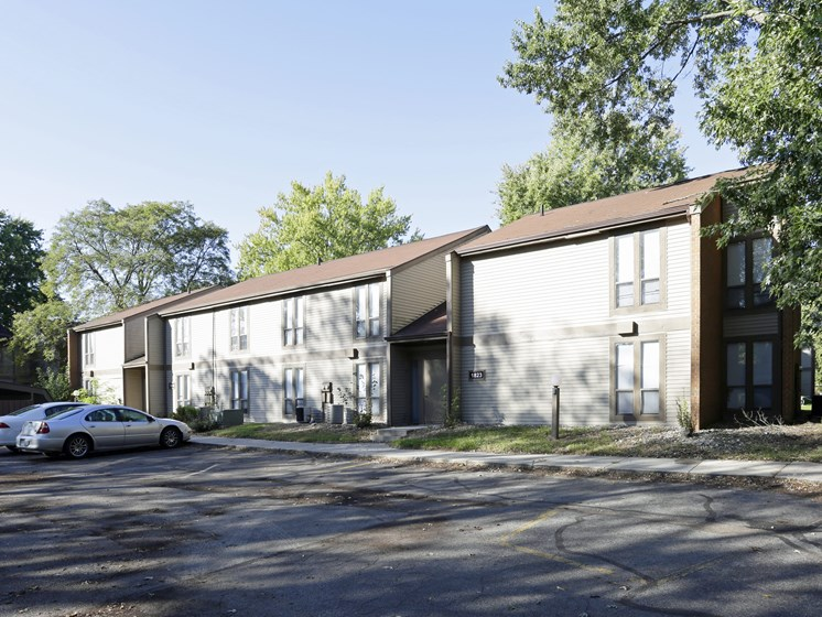 Ample Parking Space at Walnut Trails Apartments, Elkhart, IN
