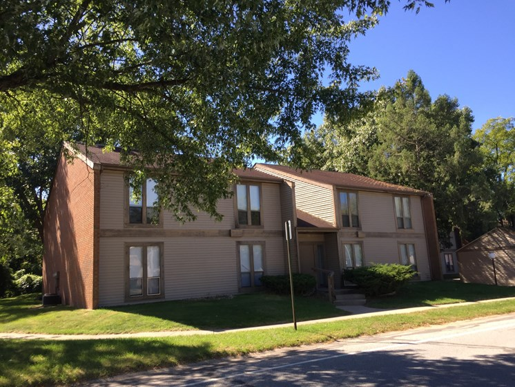 Lush Green Outdoor Spaces at Walnut Trails Apartments, Indiana