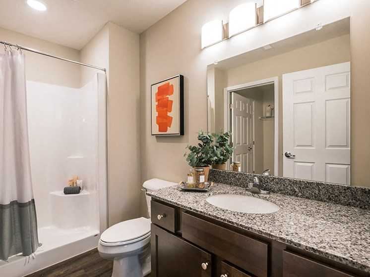 Miami Township OH Apartment Rentals Redwood Miami Township Bathroom Two