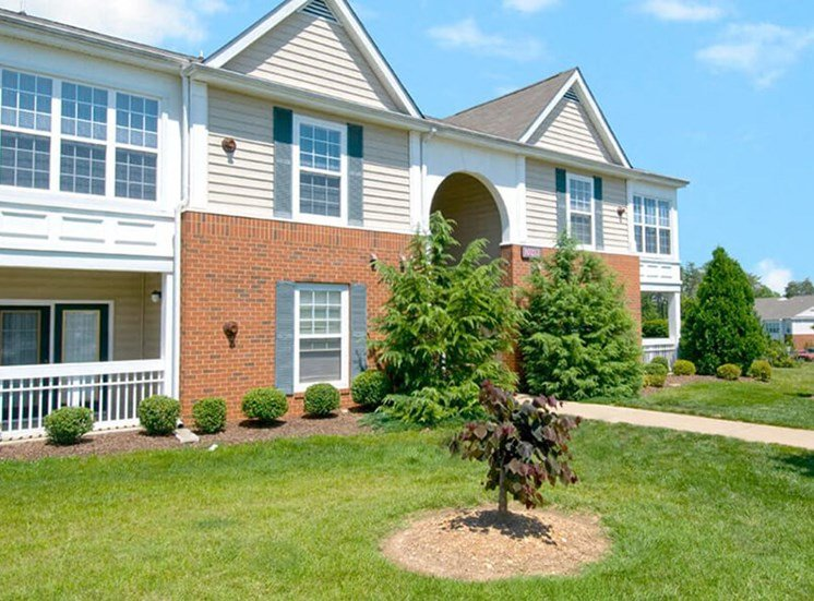 Spacious Lawn at Brittany Commons Apartments, Virginia, 22553