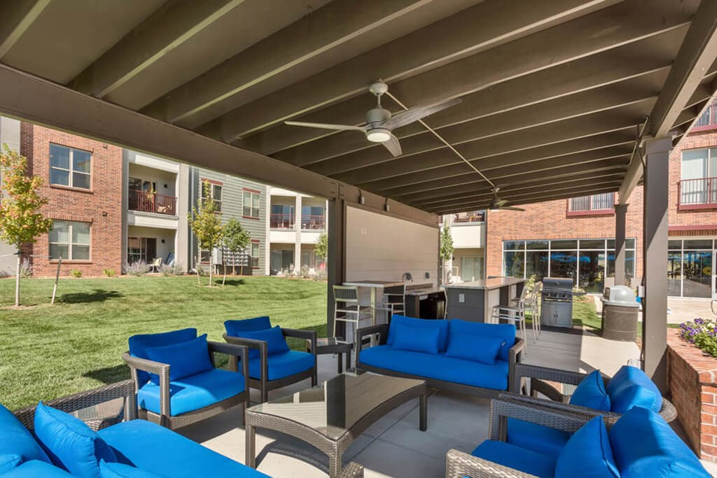 Westlake Greens Outdoor Kitchen and blue seating area
