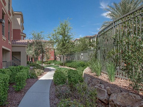 Beautiful Sonata Courtyard With Walking Paths in North Las Vegas, Nevada Rentals