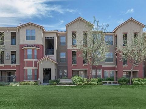 Sonata Property With Lush Natural Surrounding in North Las Vegas, NV Apartments