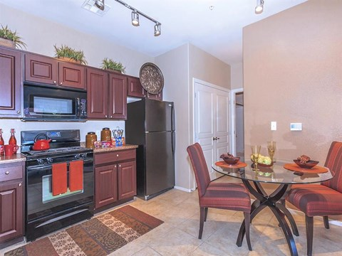 Fully Equipped Eat-In Sonata Kitchen in North Las Vegas, Nevada Apartment Homes for Rent