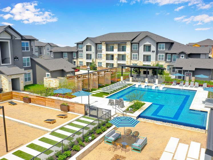 altair-tech-ridge-luxury-apartments-pool