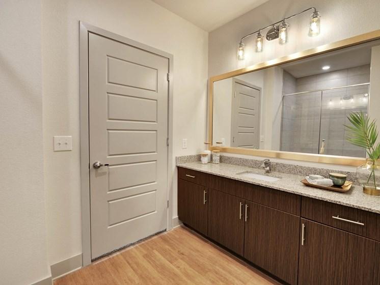 altair-tech-ridge-luxury-apartments-bathroom-6