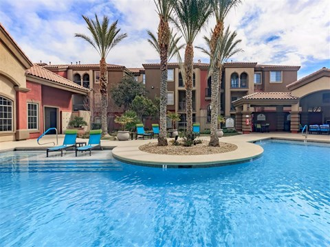 Relaxing Montecito Pointe Pool Area With Sundeck in Nevada Apartment Homes