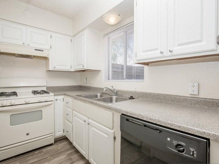Apartments in Tucson, AZ Kitchen3