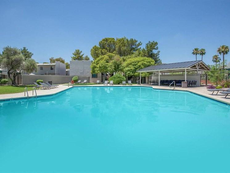 Apartments in Tucson, AZ Lagoon