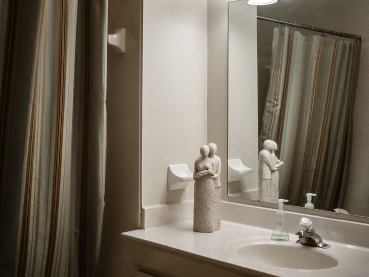 Bathroom With Bathtub at Parkside at Maple Canyon, Columbus, OH