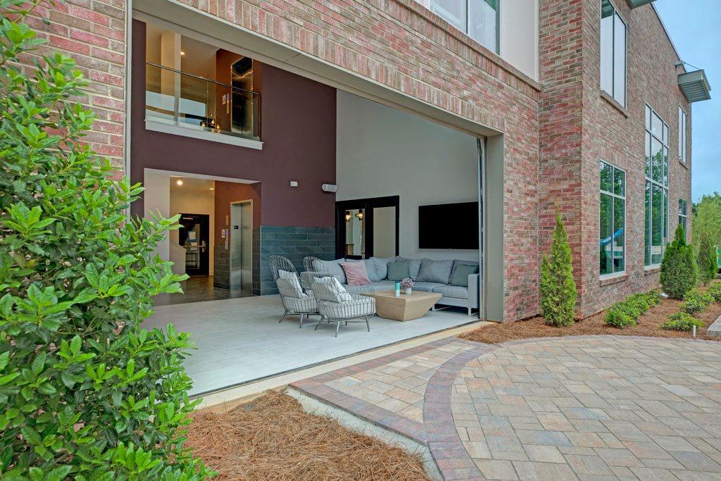 Aqua Lounge at Apartments @ Eleven240, Charlotte, NC