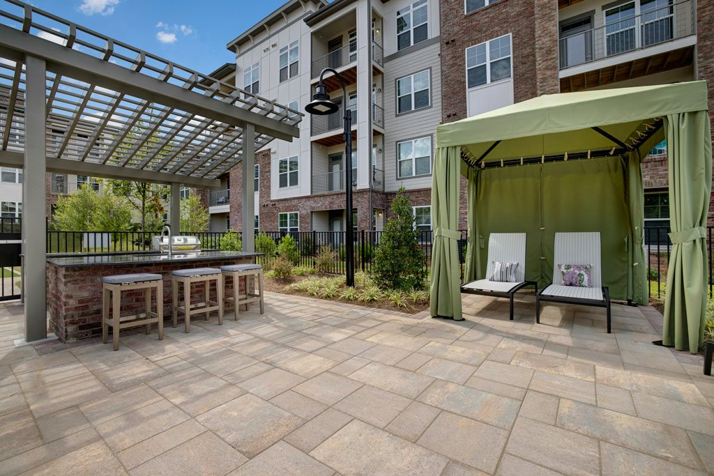 Grill Area at Apartments @ Eleven240, Charlotte, NC, 28216