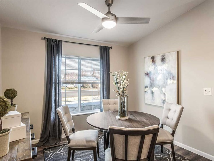 Mansfield OH Apartment Rentals Redwood Mansfield Gallery Dining