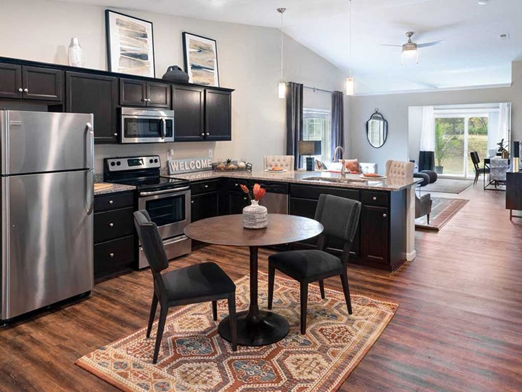 Mansfield OH Apartment Rentals Redwood Mansfield Gallery Forestwood Kitchen To Den