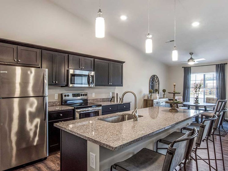 Mansfield OH Apartment Rentals Redwood Mansfield Gallery Willowood Kitchen