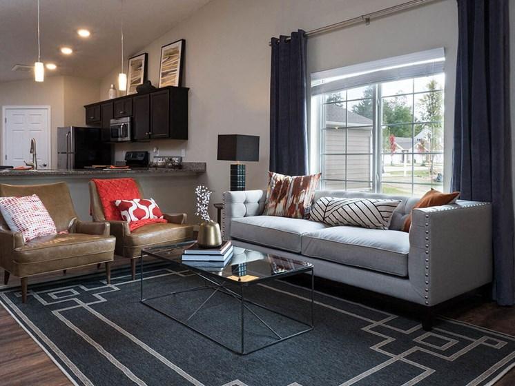 Cuyahoga Falls Apartment Rentals Redwood Living Redwood Cuyahoga Falls Bath Road Forestwood Living Room