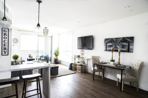 The Goldwyn Apartment Homes with One and Two Bedroom Apartments located in Los Angeles near Culver City. Luxury Apartments in Palm.